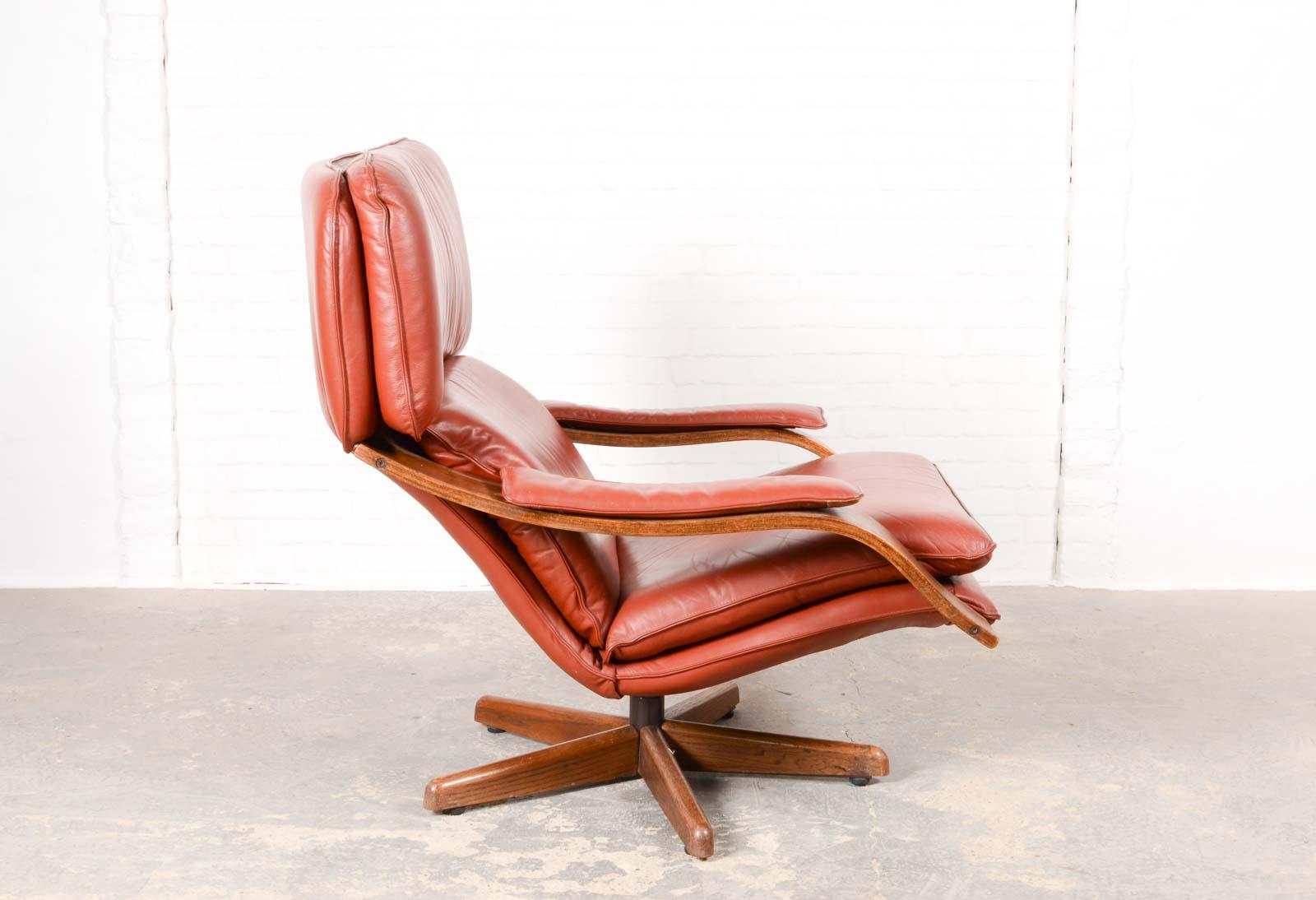 Excellent Majestic Mid Century Scandinavian Swivel Relax Lounge Chair Ibusinesslaw Wood Chair Design Ideas Ibusinesslaworg