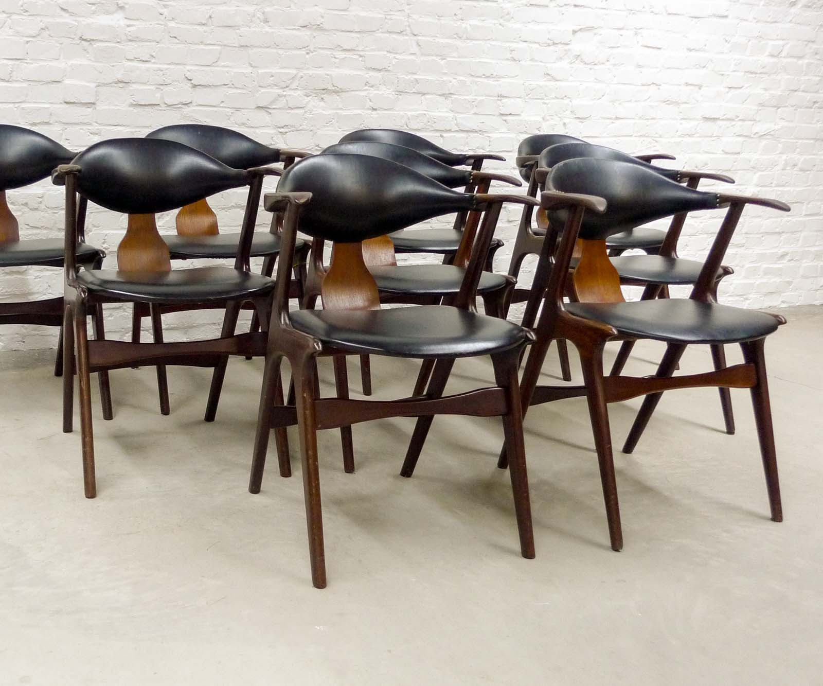 Dutch Design Cow Horn Dining Chairs By Louis Van Teeffelen For AWA, Set Of  Nine