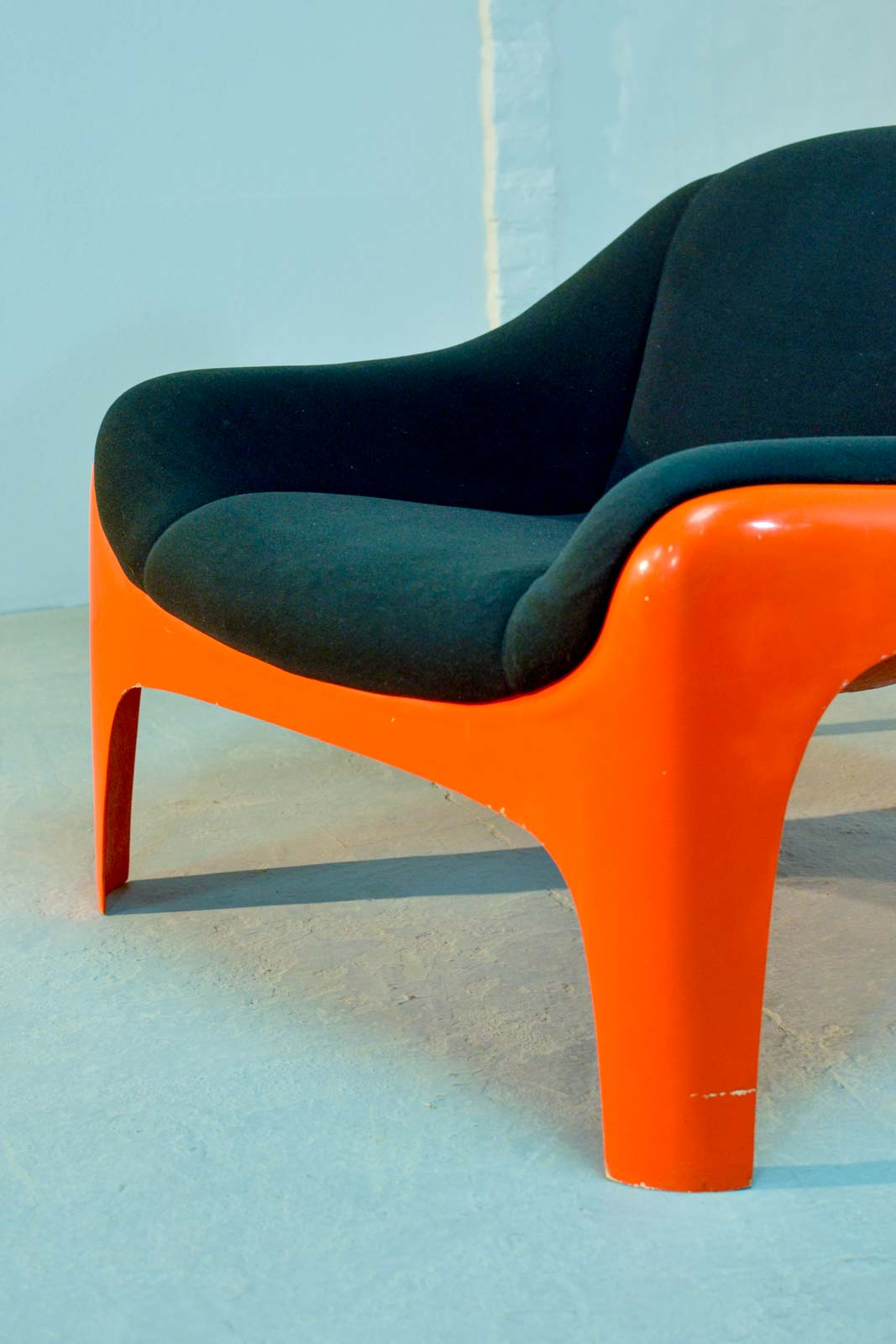 Iconic Italian Fiberglass Lounge Chair By Sergio Mazza For