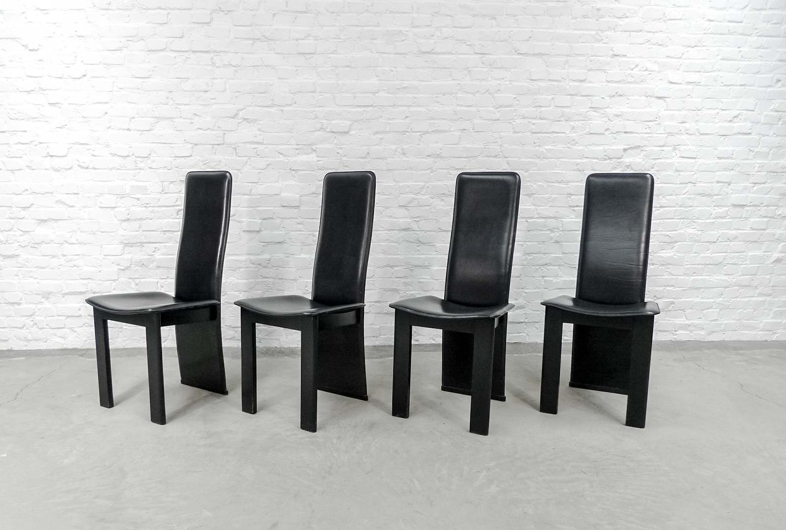 Image of: Set Of 4 Mid Century Black Sadle Leather High Back Dining Chairs In Style Of Cidue Hpvintage Com
