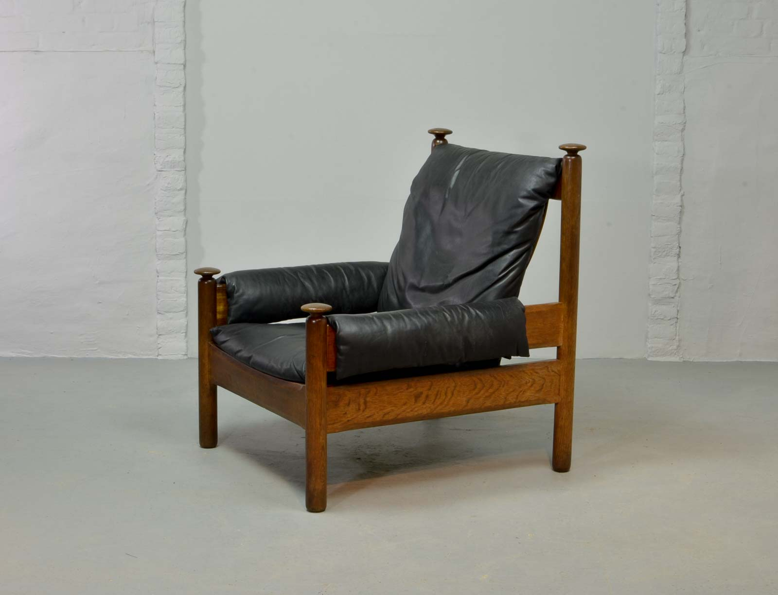 Sy Mid Century Black Leather Scandinavian Lounge Chair 1960s