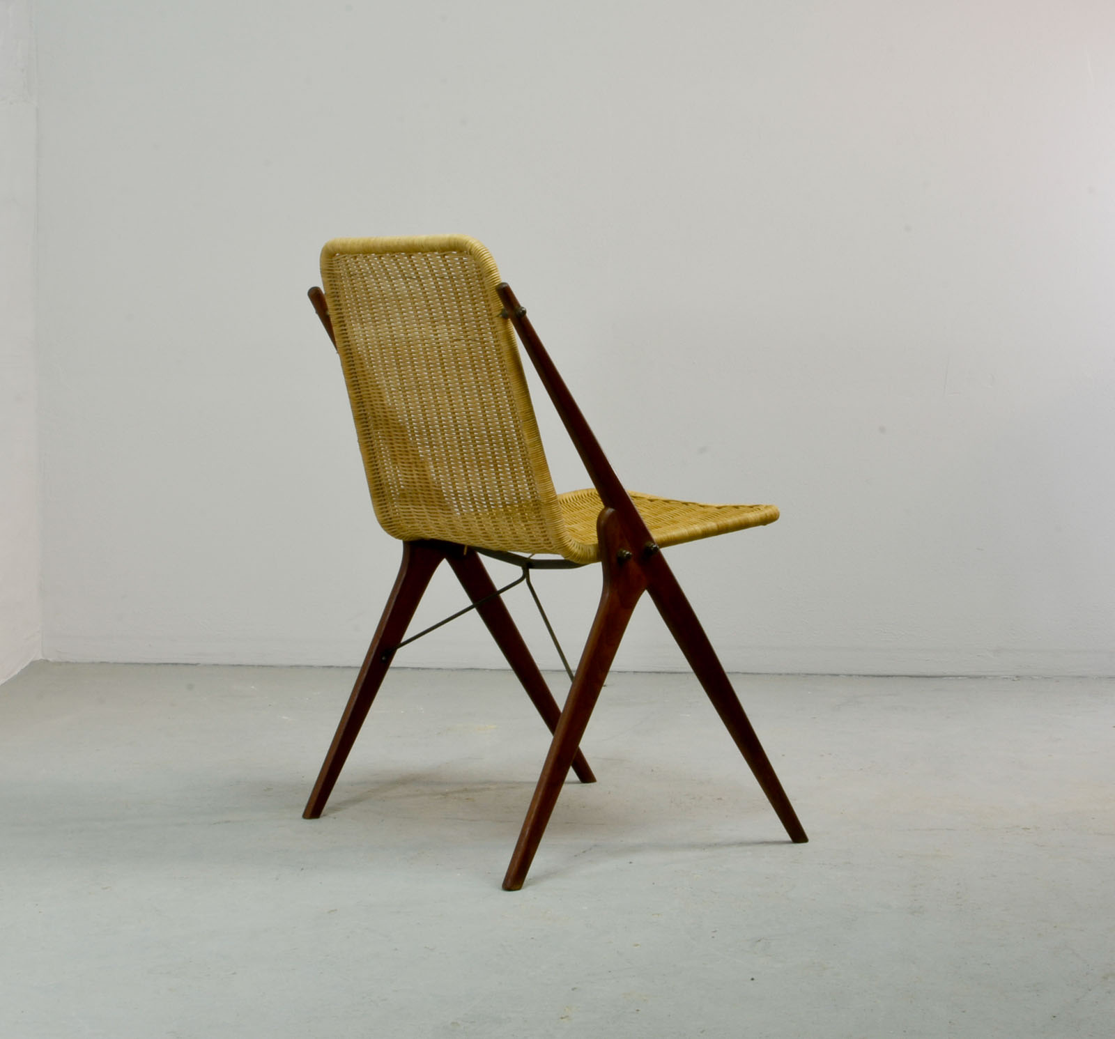 Dutch design reed and teak wood desk chair in style of for Dutch design chair karton
