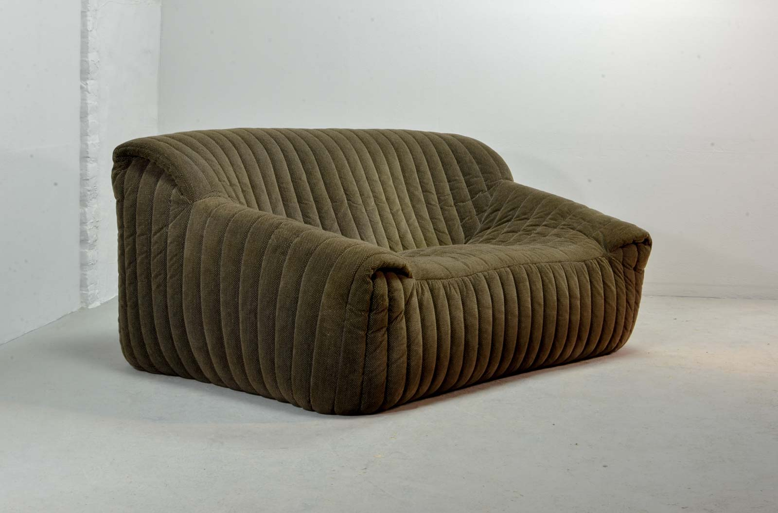Midcentury two seat sofas by annie hieronymus for cinna for Ligne roset france