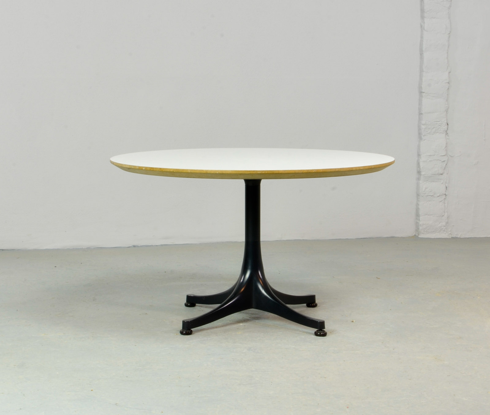 Mid Century Round Black And White Coffee Table Designed By George Nelson  For Herman Miller