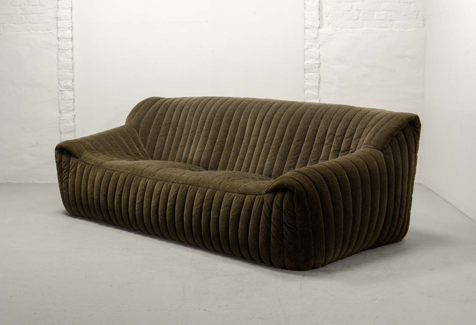 Midcentury three seat sofa by annie hieronymus for cinna for Ligne roset france