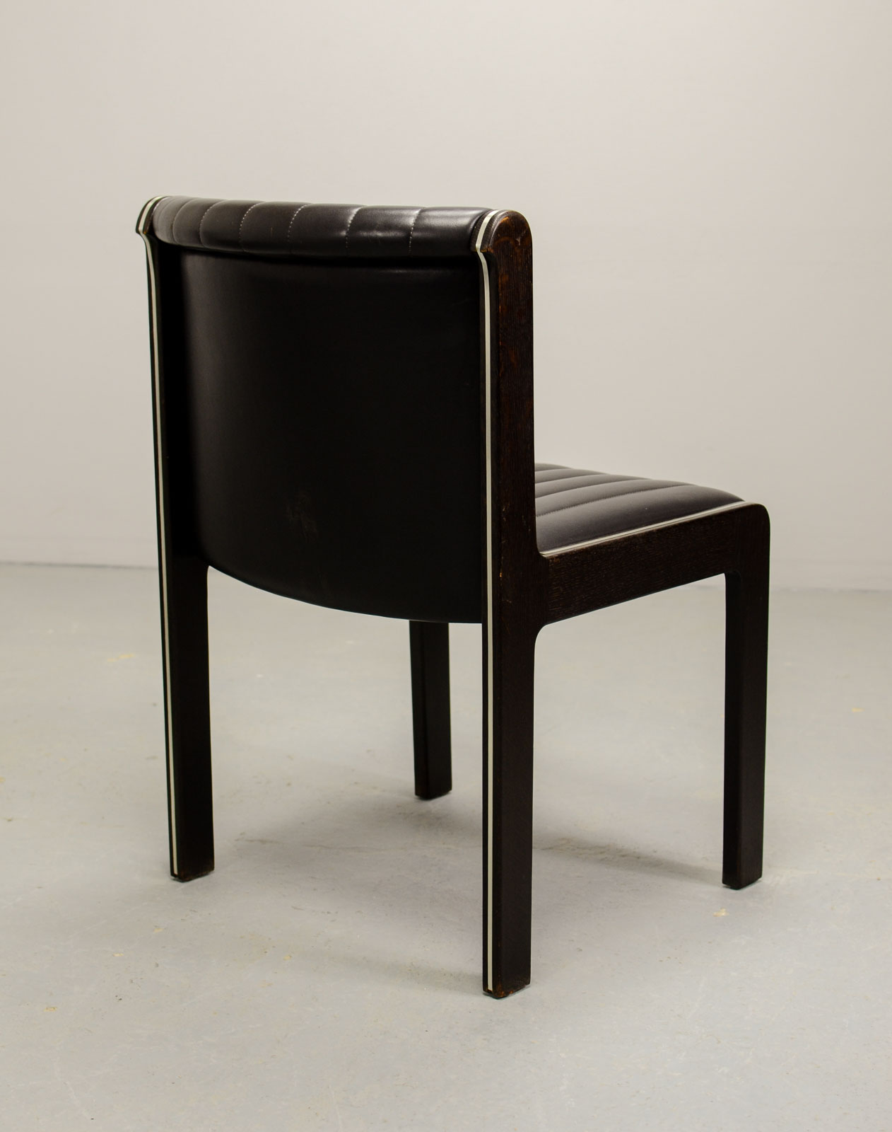 Mid Century Set Of Six High Quality Leather Dining Chairs
