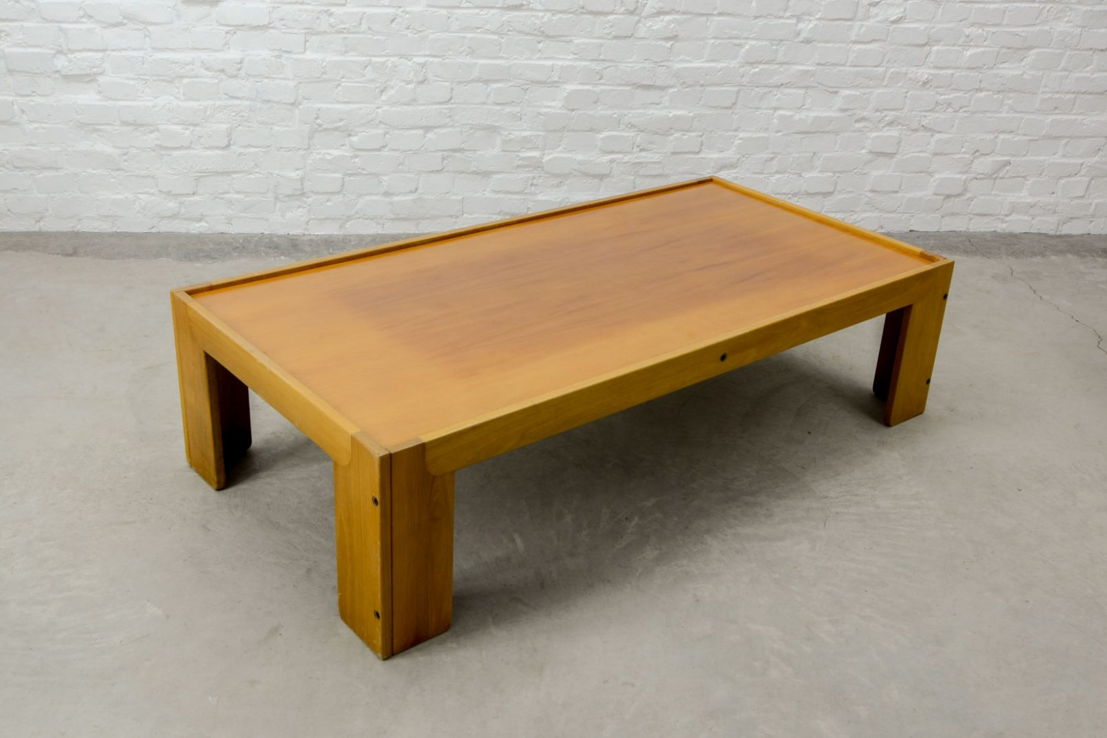 Mid century design italian solid wood coffee table for Cassina italy