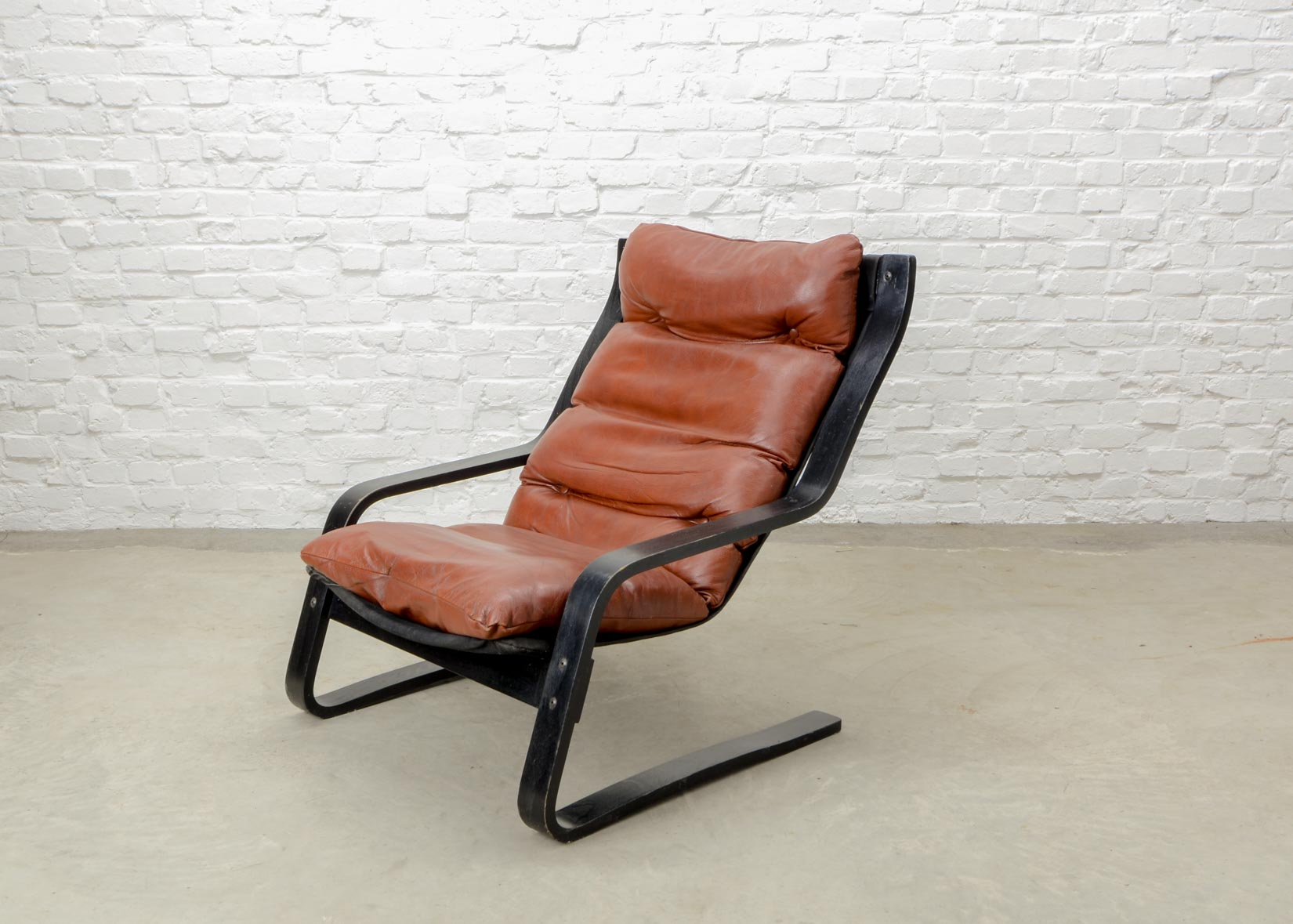 Strange Mid Century Modern Design Bouncy Maroon Leather Lounge Chair Beatyapartments Chair Design Images Beatyapartmentscom